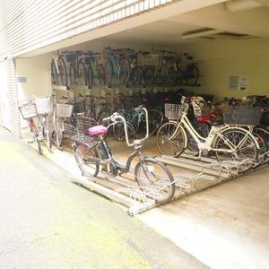 ザ・パームス西戸山の駐輪場