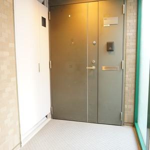 グランヌーブ中野(9階,)のフロア廊下(エレベーター降りてからお部屋まで)