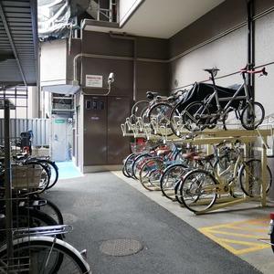 コスモ両国グランシティの駐輪場