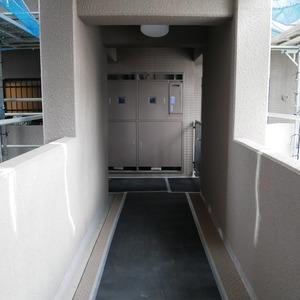 コスモ両国グランシティ(9階,)のフロア廊下(エレベーター降りてからお部屋まで)