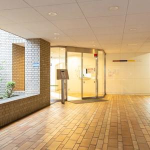 シェモワ新宿のマンションの入口・エントランス