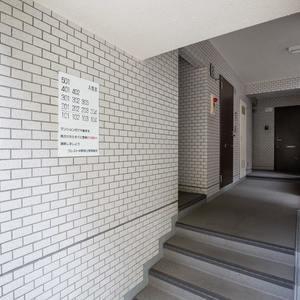 クレスト中野坂上のマンションの入口・エントランス
