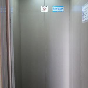 シティポート錦糸町2のエレベーターホール、エレベーター内