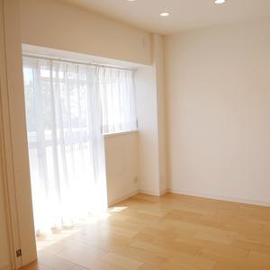 秀和亀戸天神橋レジデンス(2階,3390万円)の洋室