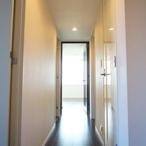 パークホームズ目黒ザレジデンス(4階,1億1200万円)のお部屋の廊下