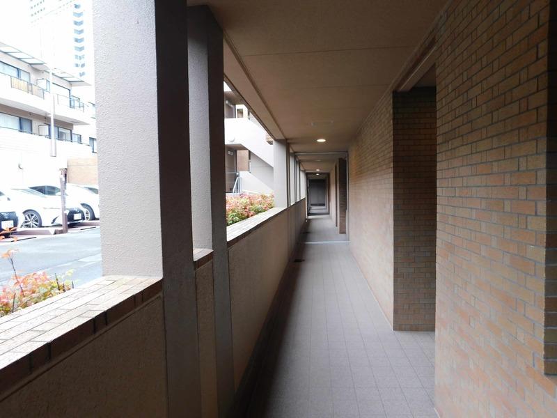 グレディール赤坂のフロア廊下(エレベーター降りてからお部屋まで)1枚目