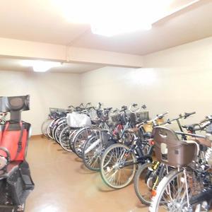 グレディール赤坂の駐輪場