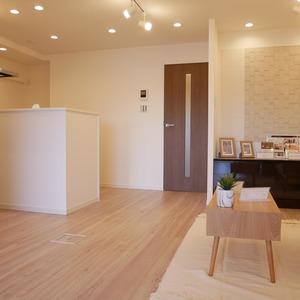 グレイス吾妻(6階,3799万円)の居間(リビング・ダイニング・キッチン)