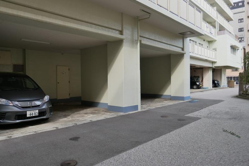 グレイス吾妻の駐車場1枚目