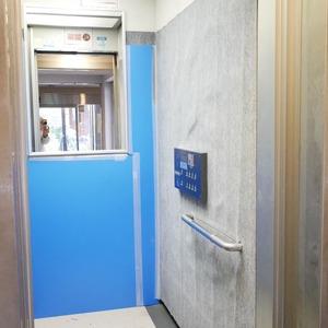 オーベル本所吾妻橋のエレベーターホール、エレベーター内