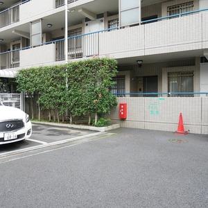 オーベル本所吾妻橋の駐車場