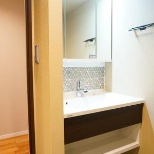 神田小川町ハイツ(5階,4199万円)の化粧室・脱衣所・洗面室