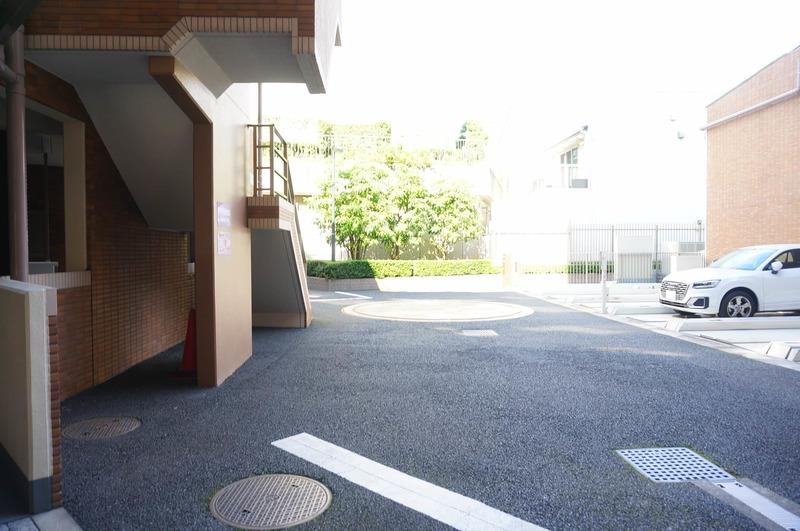 ファミールグラン白金ヴェルデフォーレの駐車場1枚目