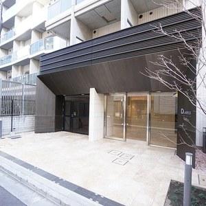 デュアレス千代田三崎町のマンションの入口・エントランス