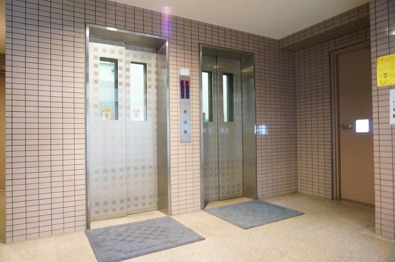アドリーム文京動坂のエレベーターホール、エレベーター内1枚目