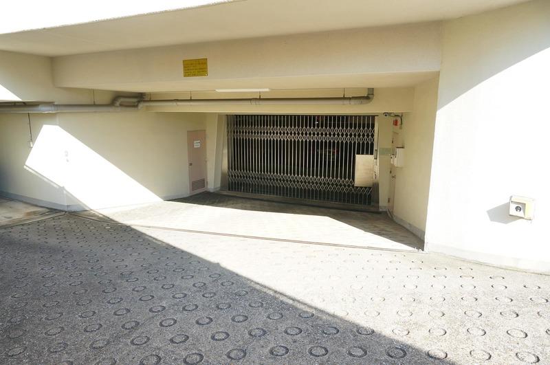マンション小石川台の駐車場1枚目