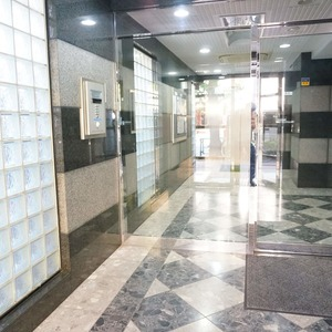 ライオンズマンション小石川植物園のマンションの入口・エントランス