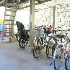 マージュ市谷柳町の駐輪場