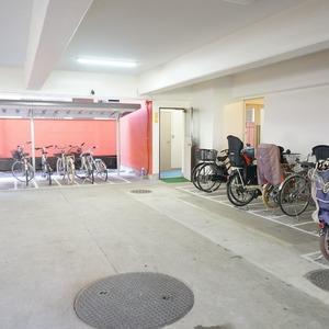 市谷加賀町スカイマンションの駐輪場