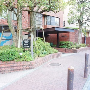 ビオライフハウスのマンションの入口・エントランス