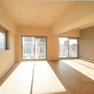 目黒ロイヤルハイツ(7階,8980万円)の居間(リビング・ダイニング・キッチン)