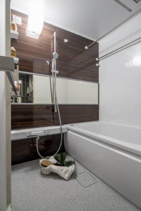 恵比寿ガーデン7180万円の浴室・お風呂1枚目