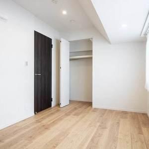 恵比寿ガーデン(3階,7180万円)の洋室
