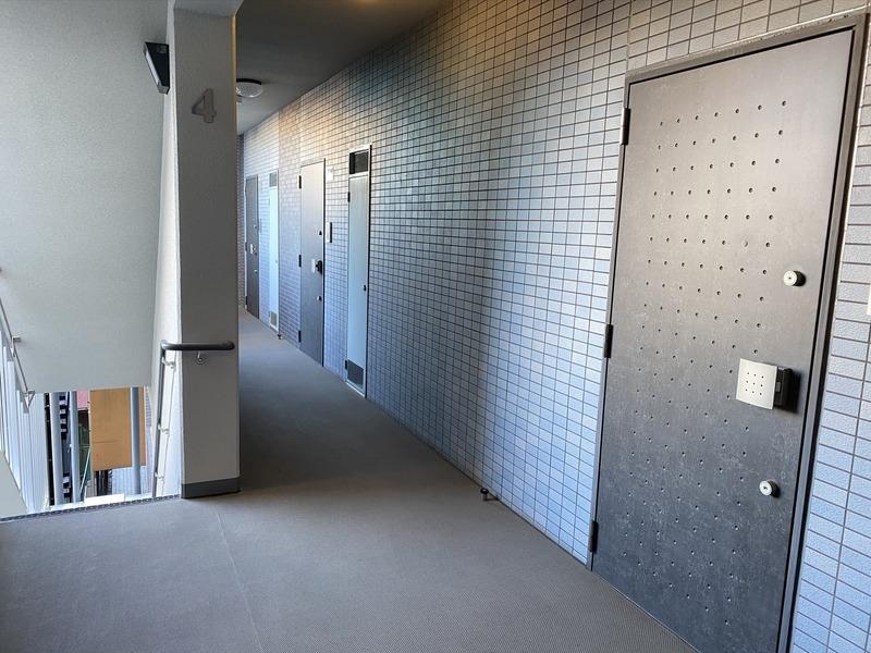 ミルーナヒルズアイル両国のフロア廊下(エレベーター降りてからお部屋まで)1枚目