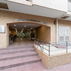 ライオンズマンション西日暮里第2のマンションの入口・エントランス
