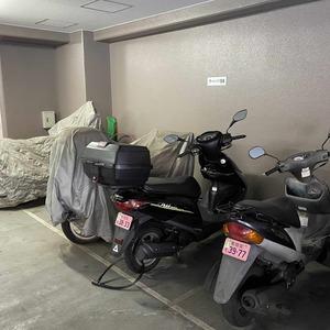 メゾンドール錦糸町ツインのバイク置場