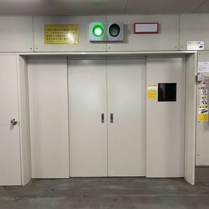 メゾンドール錦糸町ツインの駐車場
