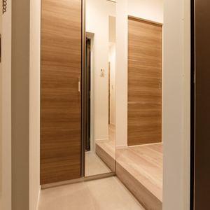 プチモンド上野(2階,2499万円)のお部屋の玄関