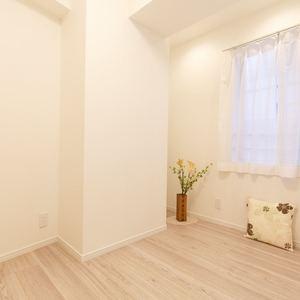 プチモンド上野(2階,2499万円)の洋室(2)