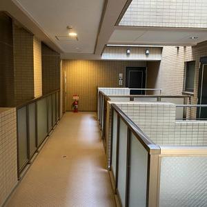 サンスターレ浅草橋(7階,5480万円)のフロア廊下(エレベーター降りてからお部屋まで)