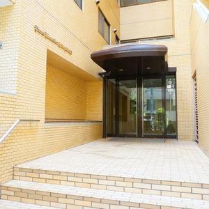 ライオンズマンション箱崎町のマンションの入口・エントランス