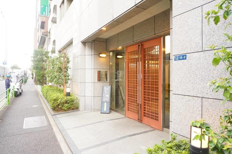 グラーサ東京イーストのマンションの入口・エントランス1枚目