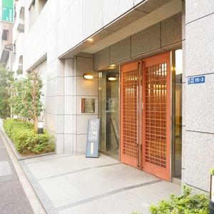 グラーサ東京イーストのマンションの入口・エントランス
