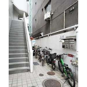 神田小川町ハイツの駐輪場