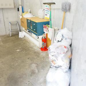 ラグジュアリーアパートメント若林CQのごみ集積場
