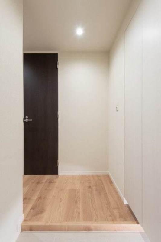代々木パークガーデンのお部屋の廊下1枚目