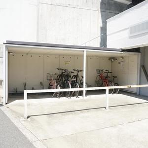 NK渋谷コータースの駐輪場