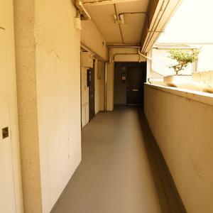 NK渋谷コータース(2階,3480万円)のフロア廊下