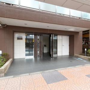 グラントレゾール浅草のマンションの入口・エントランス