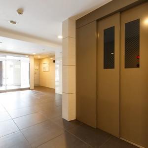 グラントレゾール浅草のエレベーターホール、エレベーター内
