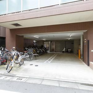 グラントレゾール浅草の駐輪場