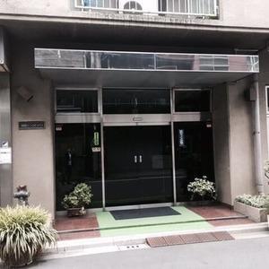 柳恵キングハイツのマンションの入口・エントランス