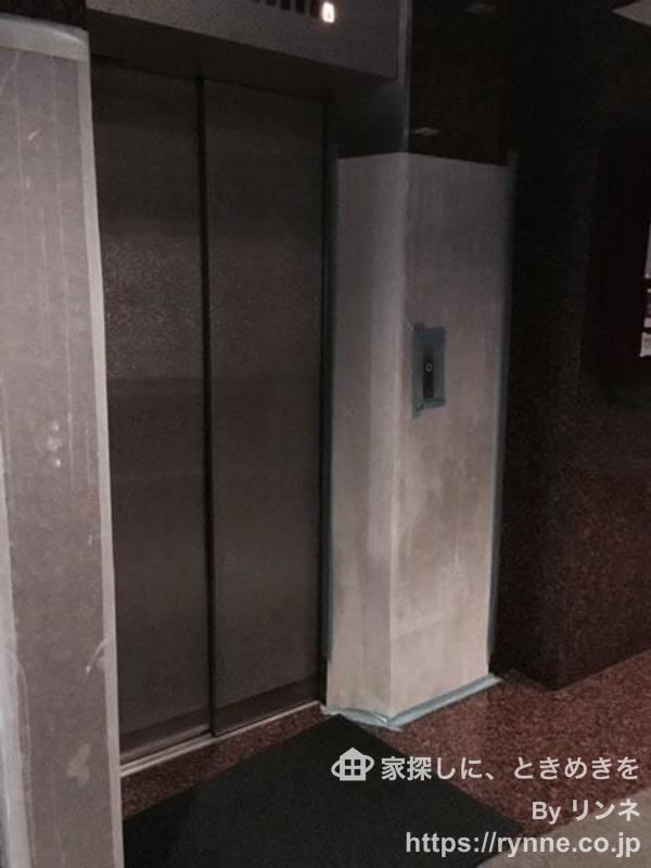 柳恵キングハイツのエレベーターホール、エレベーター内1枚目