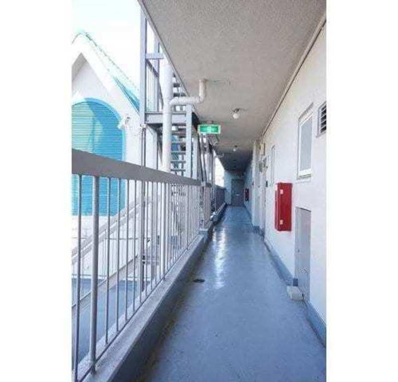 ハイツ太子堂のフロア廊下(エレベーター降りてからお部屋まで)1枚目