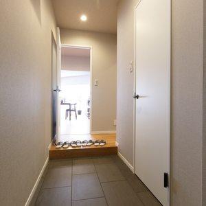 目白が丘マンション(5階,4980万円)のお部屋の玄関