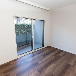 上野毛南パークホームズ(1階,4990万円)の洋室